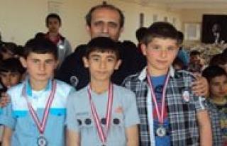 Özel Babaoglu Satranç Turnuvasi Yapildi