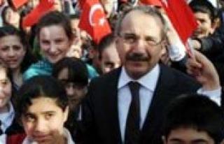 Bakan Dinçer, Okullarin Açilis Tarihi Için Genelge...