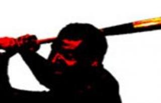 Evine Giren Kisiyi Sopayla Vurarak Öldürdü