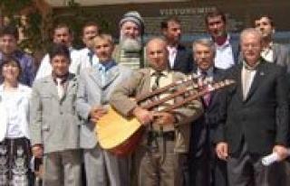 Karamanli Sairler, Rektör Yardimcisi Karatas'i...