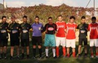 OSB Futbol Turnuvasinin Sampiyonu Simsek Oldu