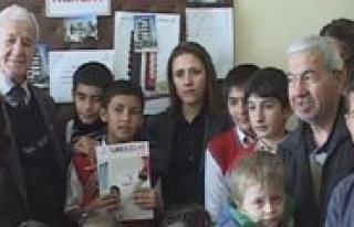Ögrencilerden Kizilay'a Ziyaret