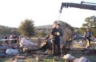 Mut'ta Trafik Kazasi: 3 Ölü, 2 Yarali