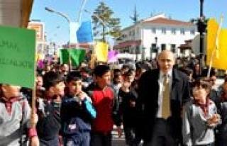 Sabiha Gökçen Ortaokulu Yesilay Haftasini Kutladi