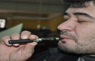 Saglik Bakanligindan `Elektronik Sigara` Uyarisi