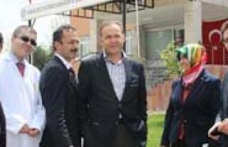 Milletvekili Akgün, Hastanede Yatan Çocuklarin Bayramini...