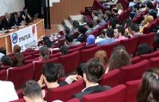 KMÜ'de Kamu Yönetimindeki Sorunlar Ele Alindi