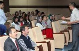 KMÜ Kariyer Günlerinde Sigortacilik Konusuldu