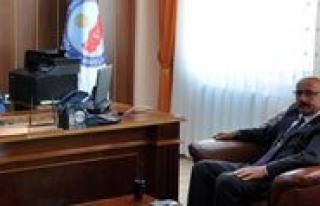 Baskan Samur'dan Kaymakam Öner'e Hayirli Olsun...