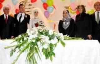 Vali Murat Koca Ve Ailesinin Mutlu Günü