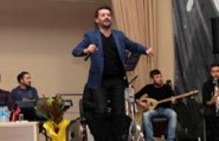 KMÜ'de Show Live Ile Müzik, Siir Ve Sohbet Bir...