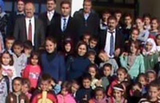 85. Yil Milli Egemenlik Ilkokulundan Yardim Kampanyasi...