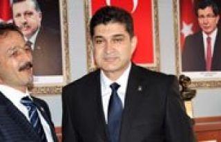 AK Parti'de Devir Teslim Yapildi