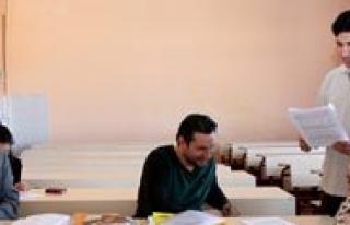 KMÜ'de 2014 Yilinda 40 Farkli Kurs Ve Egitim Düzenlendi...