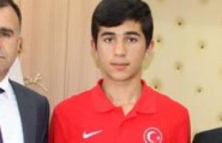 Milli Taekwondocu Tunahan Kozan, Sultanoglu'nu Ziyaret...
