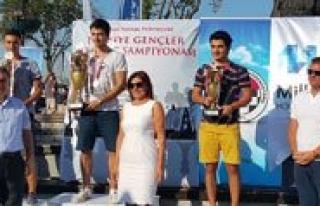 """Türkiye Satranç Gençler Sampiyonu """"Gani Eren..."""