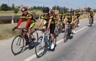 Pedallar Zafer Bayrami Için Çevrildi