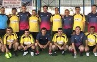 Abdullah Durak Anisina Futbol Turnuvasi Yapildi