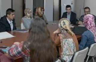 KMÜ'de Ögrenciler Mülteci Sorununu Konustu