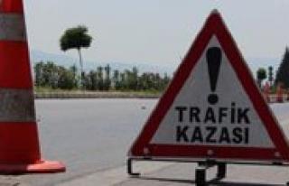 Karaman'da Iki Otomobil Çarpisti: 9 Yarali