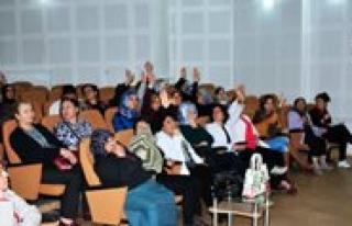 Kadin Ve Aile Hizmetleri Müdürlügü'nden Konferans