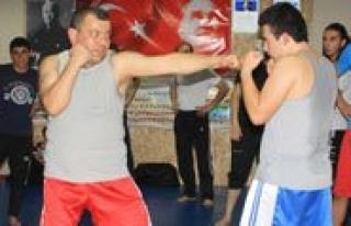 Muay Thai & Kick Boks Kurslari Yogun Ilgi Görüyor