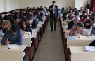 KMÜ Ögrencilerine Pedagojik Formasyon Egitimi