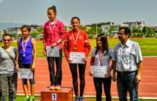 Karamanlı Atletler Madalyalarla Döndü