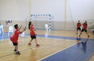 15 Yaş Altı Ferdi Badminton Müsabakaları Sona...