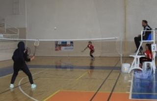 17 Yaş Altı Ferdi Badminton Müsabakaları Sona...