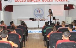 Atletizm Eğitim Merkezi Sporcularına 'Sporcu Sağlığı...