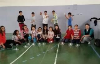 Badminton Sevgisi Ayrancı'da Çığ Gibi Büyüyor