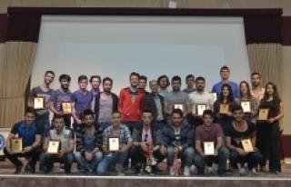 KMÜ Spor Şenliklerinde Ödüller Sahiplerini Buldu
