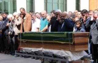 Şevki Yılmaz Yeğeninin Cenaze Namazını Kıldırdı
