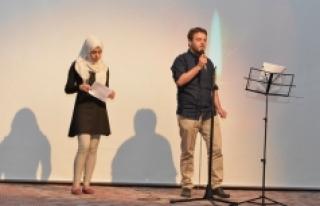 KMÜ Öğrencilerinden Şiir Dinletisi