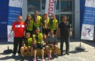 Karaman Bisiklet Takımı Sivas'ta Kürsü Kapattı