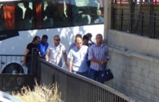 Karaman'da Gözaltına Alınan 32 Emniyet Mensubu...