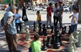 """Karaman'da """"Sokakta Satranç Var"""" Projesi Başlıyor"""