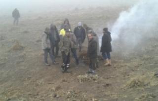 Karaman'da Bir Grup Köylü Yaylalarına Fidan Dikilmesine...