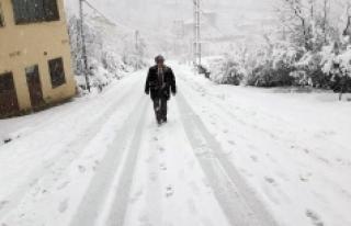 Sarıveliler İlçesinde Okullara Kar Tatili