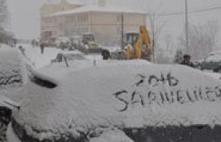 Sariveliler Ilçesinde Egitime Kar Engeli