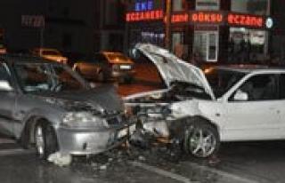 Karaman'da Zincirleme Trafik Kazasi: 3 Yarali