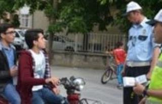 Elektrikli Bisiklet Kullananlarda Artik Kask Ve Gözlük...