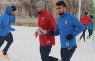 Belediyespor Ikinci Yarinin Ilk Maçini Ceyhan Doganspor...