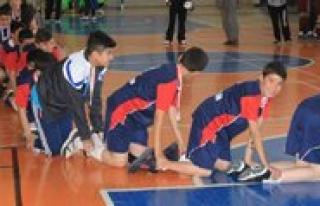 Bifa Ortaokulu Sampiyonlugu Timsah Yürüyüsü Yaparak...