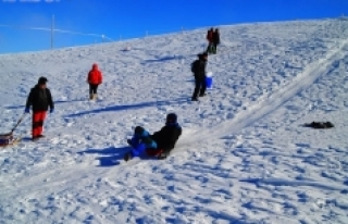 Sertavul Geçidi'nde Kayak Şenliği