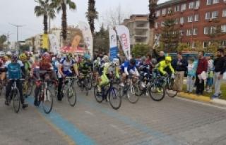 Karaman Bisiklet Takımı Sezona Madalyalarla Başladı