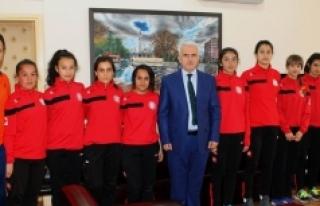 Spor Lisesinin Öğrencileri Başarılarıyla Göz...