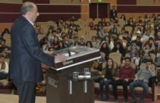 Türkiye'nin Anayasal Sorunları Konuşuldu