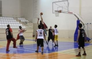 Büyükler Basketbol Ligi'nde Heyecan Devam Ediyor